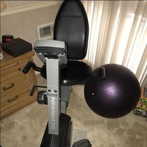 Schwinn 215p Recumbent exercise Bike